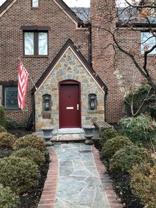 Photo for Executive Home Close to Reagan Airport, Amazon HQ and the Pentagon