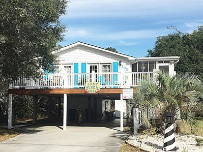 Beautiful Beach Cottage: Many New Upgrades, Charming and Well Maintained