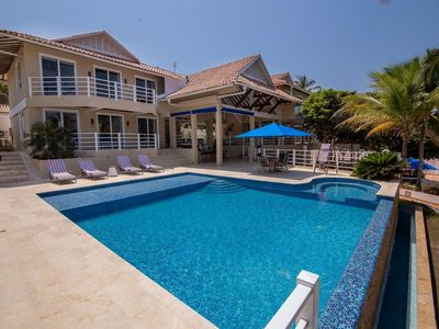 Photo for Oceanfront house in Baru with private beach, swimming pool and 6 rooms