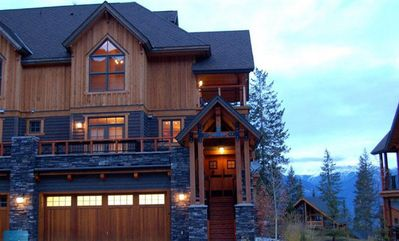 Photo for 3BR House Vacation Rental in Golden, BC