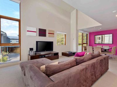 Photo for Luxurious modern apartment close to Friday Flat