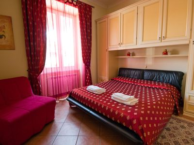 Photo for House Laura, charming apartment in Rome, air conditioning, Wi-Fi, parking, well