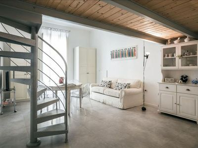 Photo for Domenichino  apartment in Centro Storico with WiFi, integrated air conditioning & lift.
