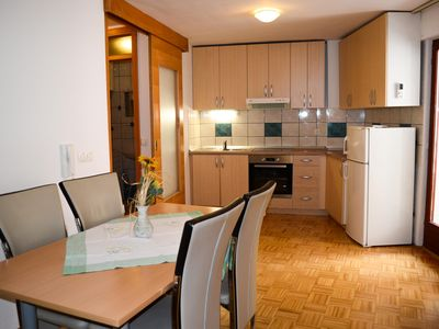 Photo for Spacious renovated 2-bedroom central apartment