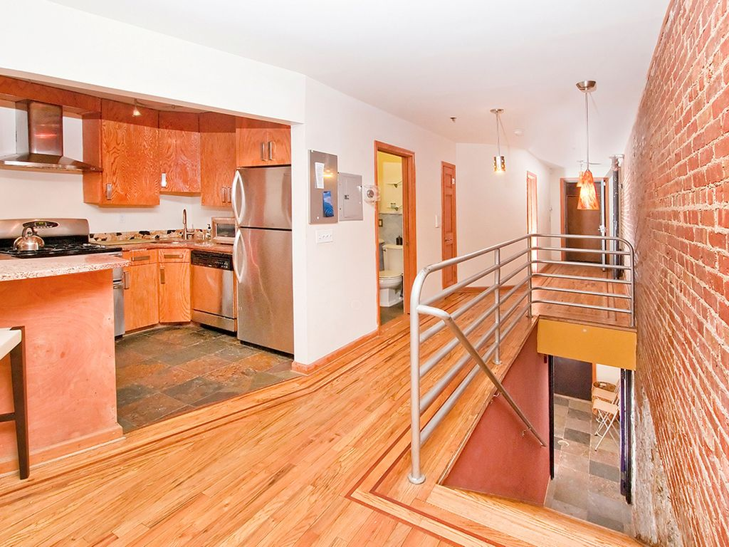Gorgeous 2 story 2 bedroom 2 bath apartment in manhattan melrose new york Two bedroom apartments in manhattan