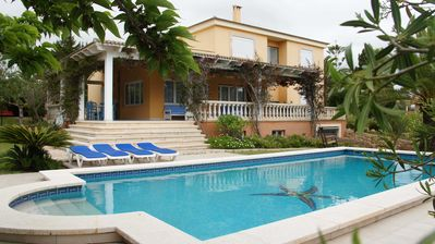 Photo for Impressive villa with pool and tennis court. 7. 000m² plot. Es Trenc beach
