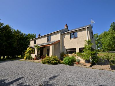 Photo for 2 bedroom Cottage in Narberth - TOCHW