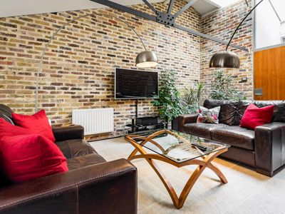 Photo for Amazing 2bed 2bath converted warehouse on Thames