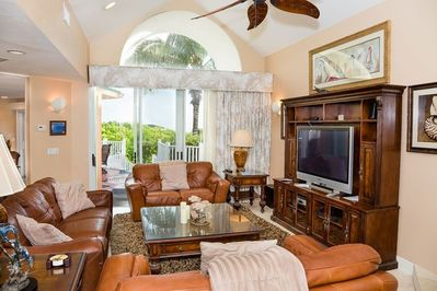 The family room is equipped with a flat screen HDTV, Comcast cable, blue ray DVD, DVD selections, and free wi-fi.