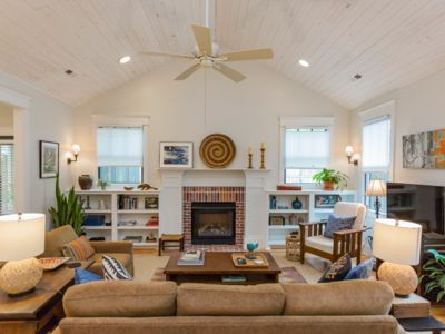 Photo for 12 South luxury guest cottage offers comfort and a great location!