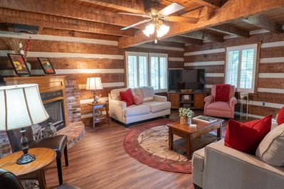 Your beautiful log home with modern farmhouse luxury will provide unique charm.