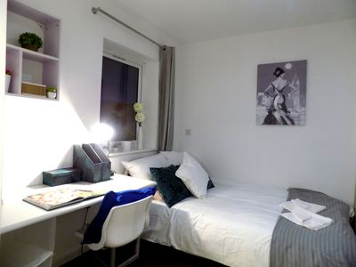 Photo for Lovely En-suite in a convenient location
