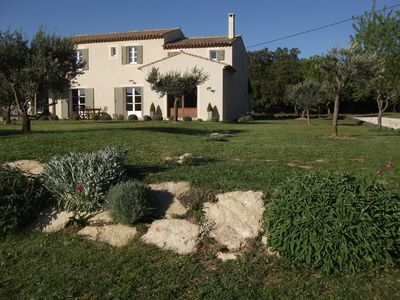 Photo for Mas great benefits in the Luberon, summer kitchen of 60 m2, pool.