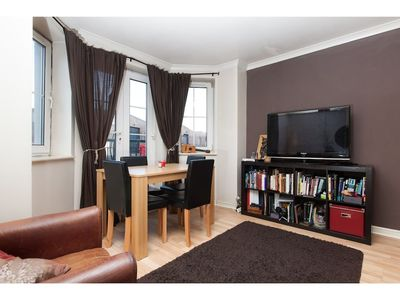 Photo for Cozy, Complete Flat for 4 in Leith