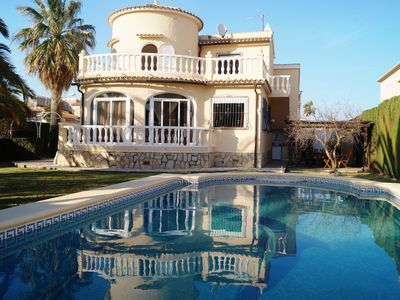 Photo for Holiday house, private pool, garden, 500 meters from the beach, prox. Denia
