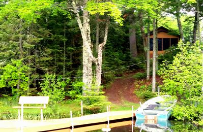 Beautiful Lake view of Cabin, with your Private Dock, Rowboat and Kayak!