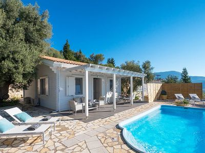 Photo for Modern Villa with pool at 155 euros per night for July!