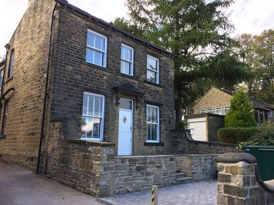 Photo for 1 Bed Cottage, Calverley, Leeds, LS28 5NF - Nr Airport, Rail, Parking, Bike Shed