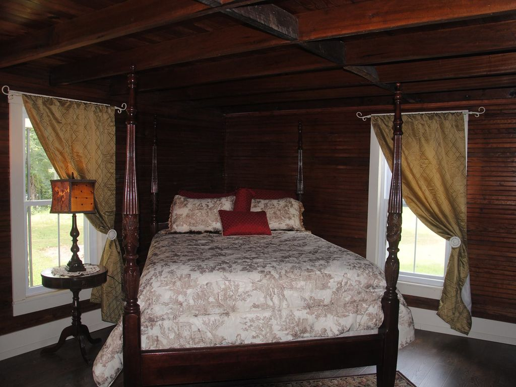 granny's castle: farmhouse getaway - executive accommodation