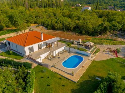 Photo for 3 bedroom Villa, sleeps 6 in Mihatovići with Pool, Air Con and WiFi