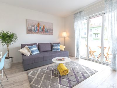 Photo for Charming apartment short walk from the city center