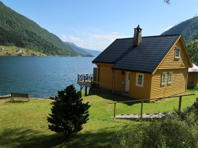 Photo for Ese Holiday Home, Sleeps 6 with Free WiFi