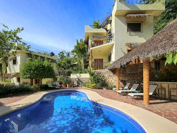 Search 1,127 holiday rentals