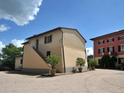 Photo for Villa and cottage in Tuscany near Chianciano