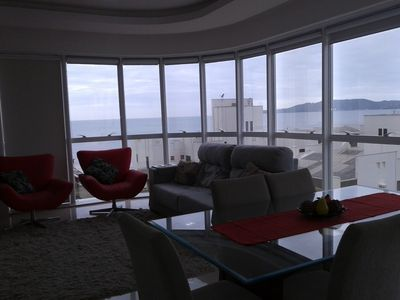 Photo for Meia Praia. Apt 3 suites, 2 parking spaces, half block from the sea and boardwalk