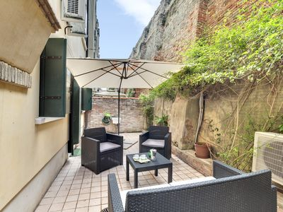 Photo for IN CANNAREGIO, NEAR STATION, GROUND FLOOR WITH INTERNAL COURT & WIFI