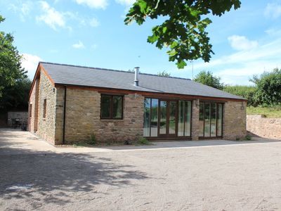 Photo for Beautiful secluded Wye Valley converted barn, in woodlands