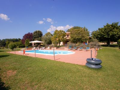 Photo for Villa with private pool, air conditioning at 40km from Orvieto/Spoleto, 25km Tod