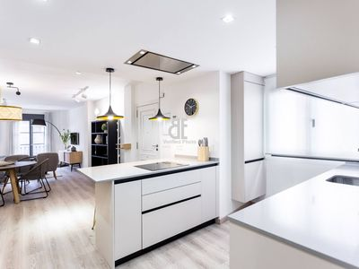 Photo for Homes in Blue - Judería II is a 2 bedroom, 2 bathroom apartment for 4 people located right in the center of Seville next to the Maestranza Bullring.