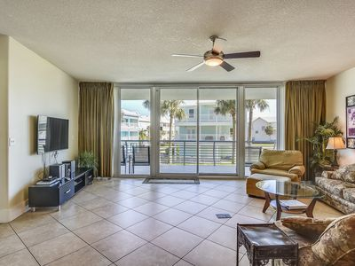 Photo for Beautiful View - Luxurious & Upscale with 4 Pools & Boat Docks - My Beach Getaways