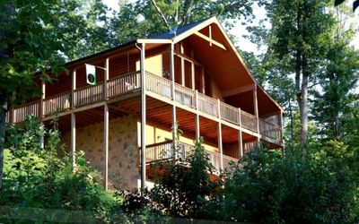Photo for TempurPedic beds The Best-Mountain VIEWS!  Large 3 BR cabin PING PONG