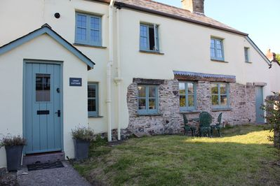 Cool 400 Year Old Cottage Is In The Lovely North Devon Village Of West Down West Down Home Interior And Landscaping Staixmapetitesourisinfo
