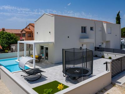 Photo for Holiday house Peroj for 4 persons with 2 bedrooms - Detached holiday house