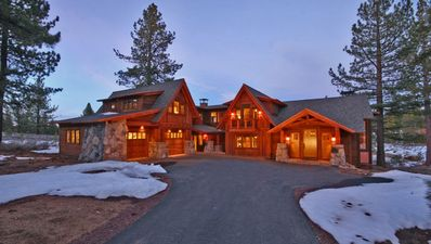 Welcome to your new vacation home in Lahontan!