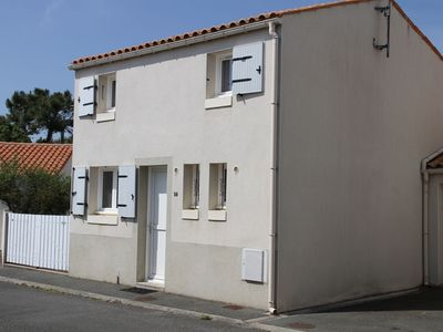 Photo for Fully equipped holiday home in a quiet residential area