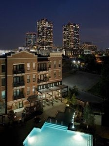 Photo for Vivre Centre Ville De Fort Worth - Simply Beautiful with View!