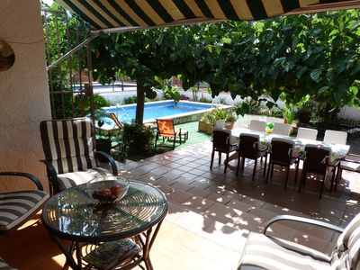 Photo for Family villa with fantastic garden with private pool and free wifi