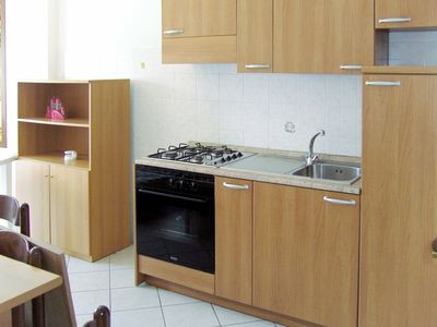 Photo for Lovely apartment for 6 people with private pool, WIFI, A/C, TV, balcony and pets allowed