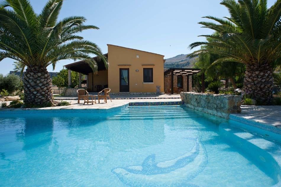 Rental villas in Trapani on the beach from the owner