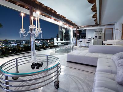 Hollywood Hills - Contemporary Retreat