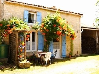 Photo for Pretty Gite With Private Gardens And Swimming Pool
