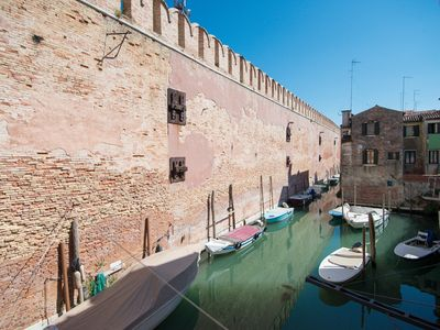 Photo for In the heart of Venice, restored in 2017, two bedrooms, WIFI, Air Conditioning,