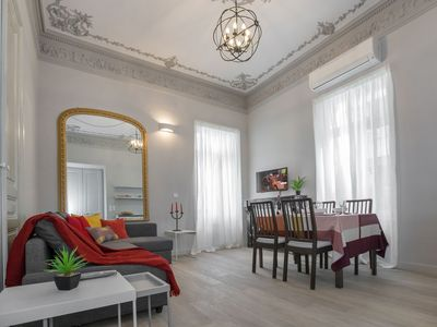 Photo for Magnificent neoclassical apt in Syntagma/Plaka