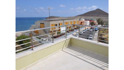 Photo for Apartment for 4 or 6 people with views of the beach