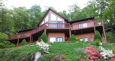 Photo for Custom mountainside home - year round Mountain View  - Convenient location