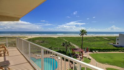 Photo for Gulf front condo w/balcony & resort beach, pool & hot tub!